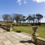 Highcliffe Manor Garden